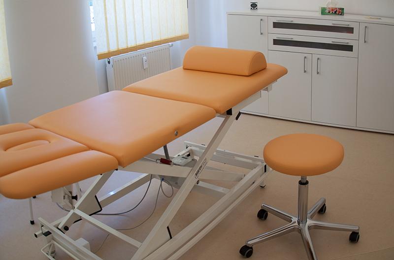 Praxisraum Massage-Liege
